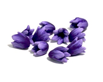 Purple Crocus Beads, Polymer Clay Spring Flowers, Lavender Purple Beads, 10 pieces