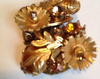 Vintage 1960's Era Pair of Goldtone Flowers Clip on Earrings