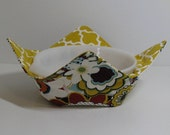 Large Microwave Bowl, Fabric Bowl, Food Warming, Serving Bowls, Microwave Cooking, Bridal Gift,  Mod Flowers, Gold Quatrefoil