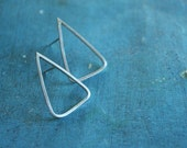 Triangle - elegant earhooks in sterling silver