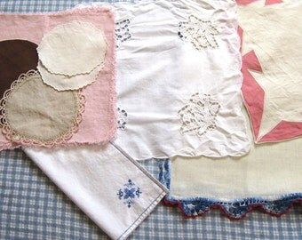Embroidered Doilies . Lot of 12 Embroidered Linen . Vintage Linens 1940s-1960s