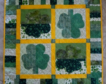 SHAMROCKS St. Patricks Day Applique Quilt  from Quilts by Elena