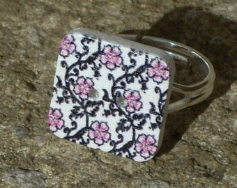 Square button ring, flower button ring, floral button ring, adjustable ring, gifts for women, gifts for her, boho jewelry, kitsch, hippie