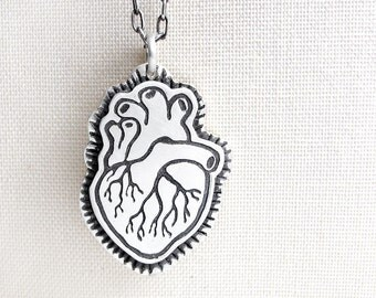 Human heart necklace, silver anatomical heart necklace, anatomy, anatomical heart jewelry, heart pendant, realistic heart, medical jewelry
