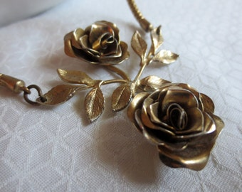 Vintage Twin Rose Choker