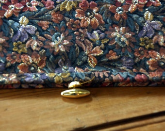 60s FLORAL TAPESTRY CLUTCH