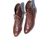Size 10 FRYE Chestnut Brown Leather Ankle Boots