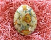 England Tin Metal Easter Egg Box Yellow Daffodils 2 3/4 Inch Nostalgic Craft Storage