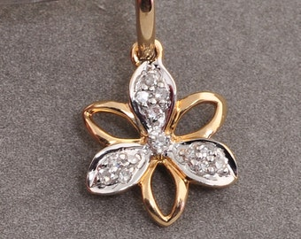 Solid 14K Yellow Gold Diamond Flower Charm Necklace Pendant