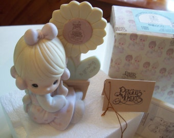 Precious Moments A Growing Love Porcelain Figurine vintage Enesco 1988 charter membership figure SALE Box and Tags E0108