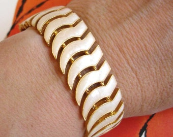 vintage faux mother of pearl gold wing shaped bracelet