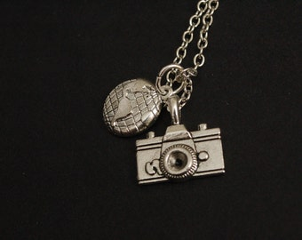 Silver Globe trotter necklace