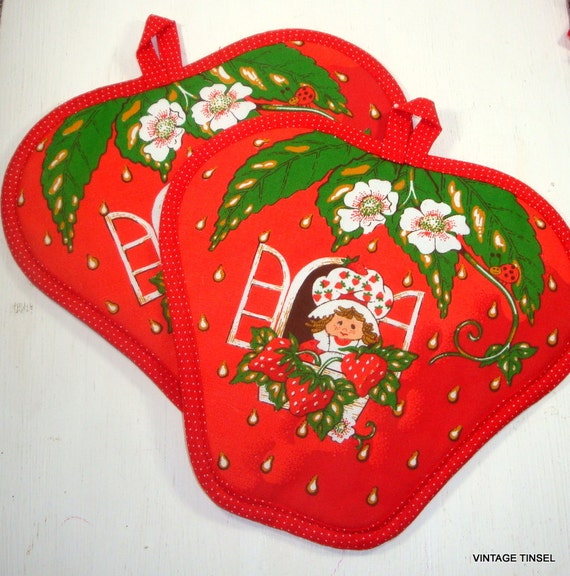 Vintage Strawberry Shortcake Potholders Kitchen Decor Set Of