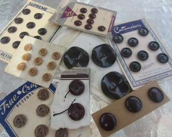 Vintage Buttons - Cottage chic, shades of brown, assorted carded, 8 cards, 51 buttons (card 14)