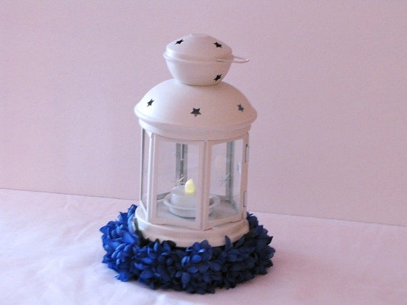 Wedding centerpiece lantern hanging by
