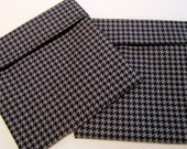 Lined Sandwich Bag--Black and Gray Houndstooth