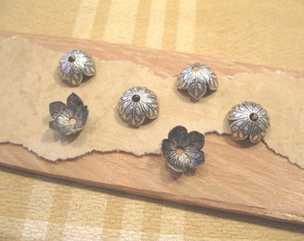 8mm Etched Leaf Bead Caps from Nunn Design in Antique Silver - 6 Count