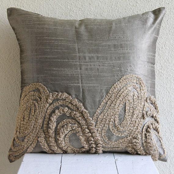 designer silver pillow cases 16x16 silk throw. Black Bedroom Furniture Sets. Home Design Ideas