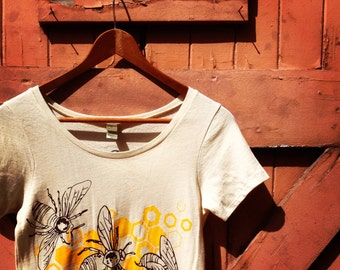 Honeybee Organic Cotton Scoop Neck T-Shirt & Classic Crew T-Shirt