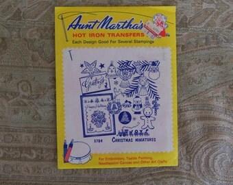 Vintage 1940's Aunt Martha's Hot Iron Transfers #3784 Christmas Minatures, Unused