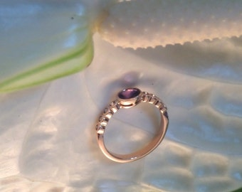 OOAK Natural Sapphire and Champagne Diamond Bezel Ring in 18k Rose Gold, Handforged, Ready to Ship