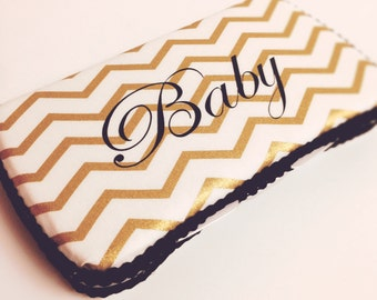 Personalized wipes case monogrammed baby wipes personalized personalized wipe case metallic gold chevron baby wipes case gold baby gift gold chevron diaper bag negle Images