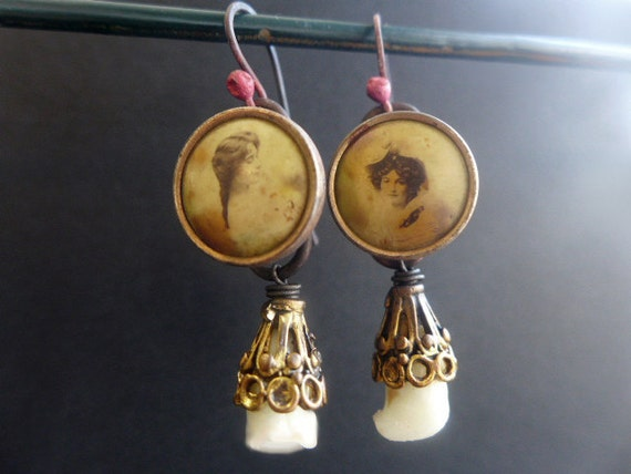 Ingenue. Antique romantic photographic button earrings.