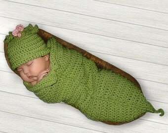 Sweet Pea Photo Prop Crochet Cocoon, Sweet Pea Pod and Hat, Newborn, Preemie, 0 to 3 months Baby Photo Prop, Pea in a Pod, Pea Green Pea Hat
