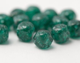 Vintage Emerald Green Glass Cube Square Crackle Beads Germany 8mm German (16)