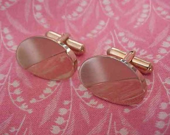 Vintage Manleigh USA Brushed Oval top Gold tone Cuff Links