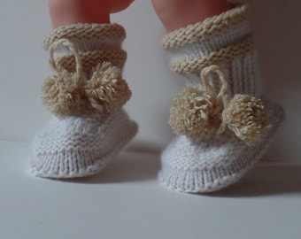 Cashmere Baby  Booties. Boy or Girl.  Ages  0 -6 Month, Hand Knitted with 100% Cashmere yarn Italy