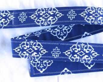 D Ring Belt, blue and white medallion, S/M