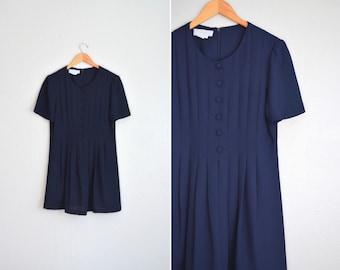 SALE // Size M // NAVY BLUE Babydoll Mini Dress // Short Sleeve - Pleated - Vintage '80s.