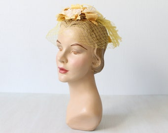 1950s Yellow Hat / 50s Hat / Whimsy Hat / Yellow Hat with Veil / Yellow Flowers / Corn Silks