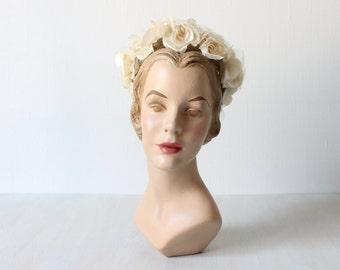 Vintage 1960s Hat / 60s Hat / Bridal Hat / Cream Roses / Swan