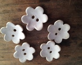 5 Button Flowers in white stoneware and white glaze - set of 5