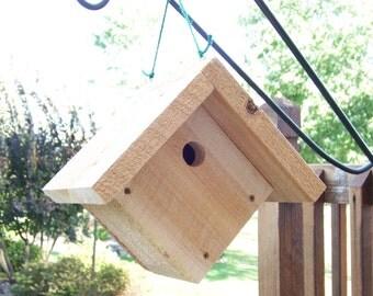 Cedar Birdhouse, Wren Chickadees, White Cedar Rustic, Hanging Birdhouse, Small Birds, Outdoor Decor, Garden Decor