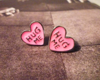 Hug Me Stud Earrings - Pink