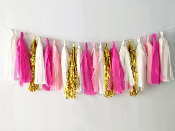 Pinks Tassel Garland