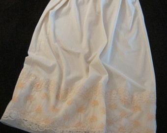 Vintage 70s palest peach Van Raalte half slip, peach embroidered lace hem size Small, pastel peach half slip, feminine lingerie,