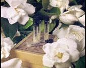 GARDENIA ENFLEURAGE .25 ml sample - Natural Pure Gardenia Perfume Produced From Homegrown Flowers