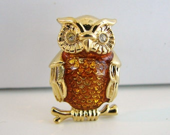 Vintage owl brooch with brown enamel and clear crystal eyes (I9)