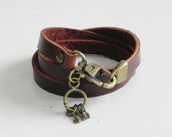 Leather Bracelet Women Bracelet Leather Cuff Bracelet Leather Charm bracelet in Brown Color with Metal Key Charm