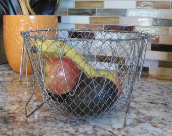 Wire handled Egg Basket- Wire basket