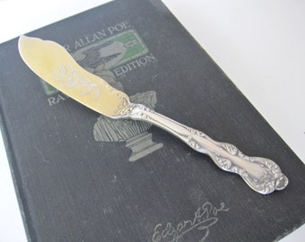 Antique Master Butter Knife with Engraved Gold Washed Blade, Orient Venice 1904 by Holmes & Edwards, Silverplate