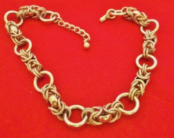 """20% off sale Vintage gold tone 15"""" chunky necklace in great condition"""