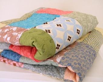 Patchwork Quilt Picnic size blanket 81 X 81 beach pastels
