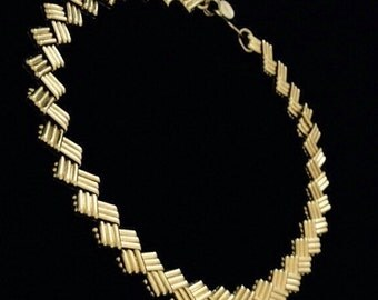 Vintage gold zig zag choker chain necklace