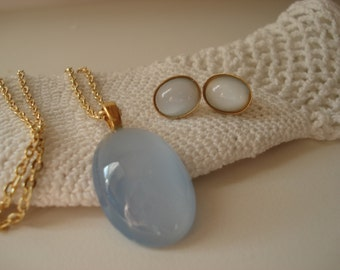 Vintage Ice Blue Moonstone Glass Gold Pendant Necklace Matching Earrings Demi Parure