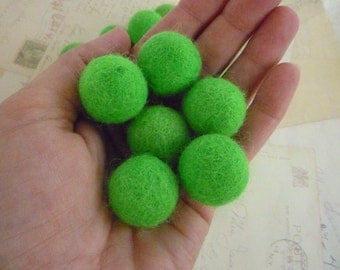 Felt Balls x 10 - Bright Green - 2cm